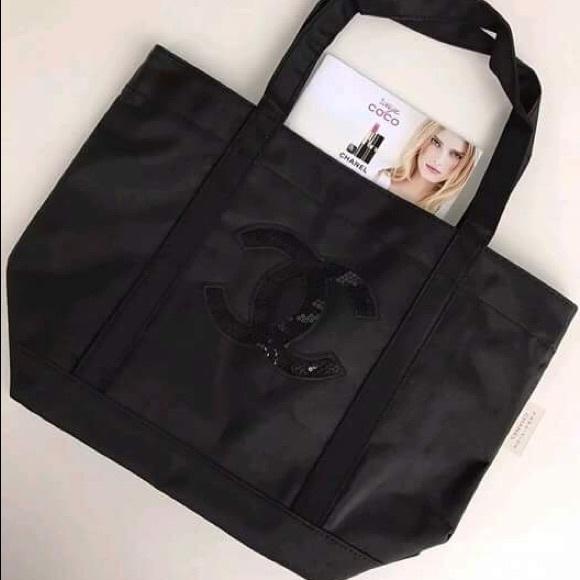 cf084d8e71ce Chanel VIP Gift Black Sequined. M_5b18559f819e90626821d200